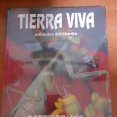 Sellos: LIBRO TIERRA VIVA INVERTEBRADOS. Lote 245176455