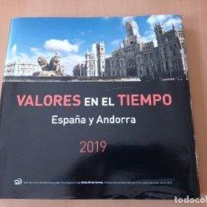 Sellos: LIBRO DE CORREOS VALORES EN EL TIEMPO ESPAÑA Y ANDORRA 2019. Lote 261205530