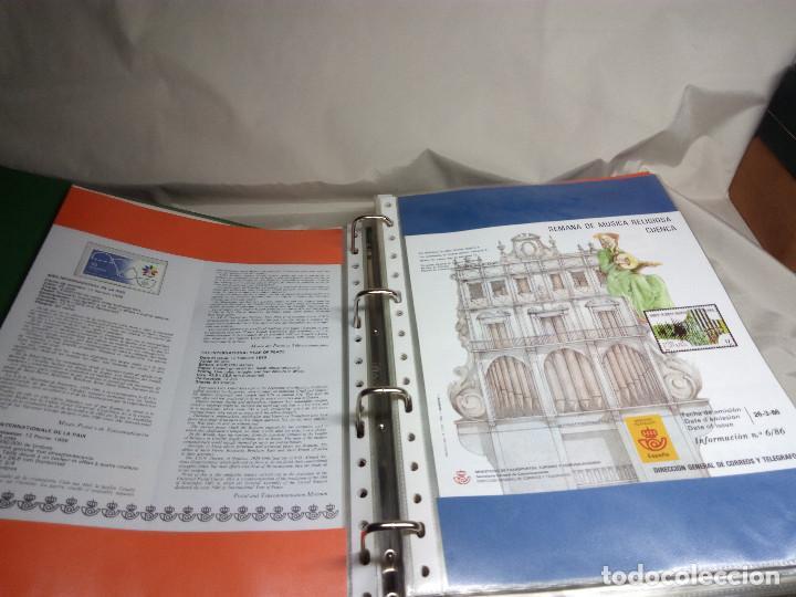 Sellos: COLECCIÓN DE 108 HOJAS INFORMATIVAS CON SELLOS ESPECIALES DE CORREOS (1986-1989) - Foto 8 - 130571654