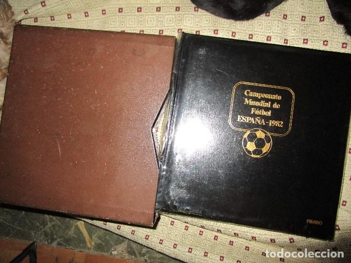 3 TOMOS ALBUM SELLOS COMPLETO MUNDIAL FUTBOL 82 TOMO 1 .2 Y 3 COMPLETO FILABO BUENA CONSERVACION (Sellos - Colecciones y Lotes de Conjunto)
