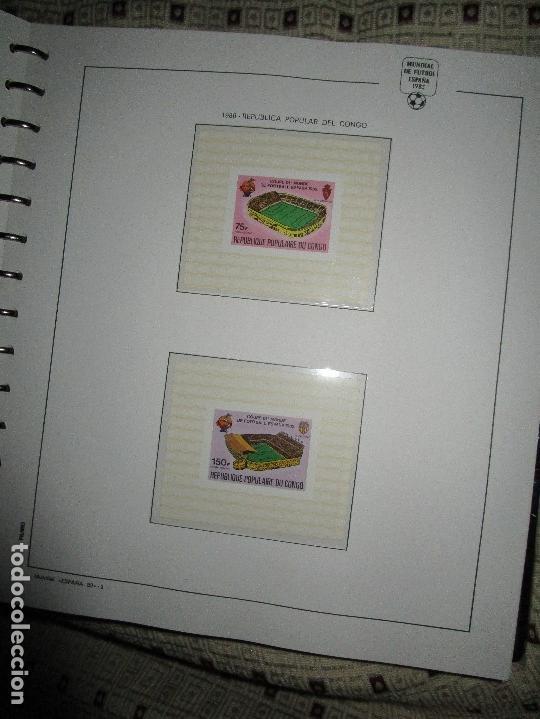Sellos: 3 tomos ALBUM SELLOS completo MUNDIAL FUTBOL 82 TOMO 1 .2 Y 3 COMPLETO FILABO BUENA CONSERVACION - Foto 9 - 134025674