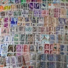 Selos: MAS DE 400 SELLOS NUEVOS DE ESPAÑA EN BLOQUES DE 4 SELLOS C32. Lote 197320825