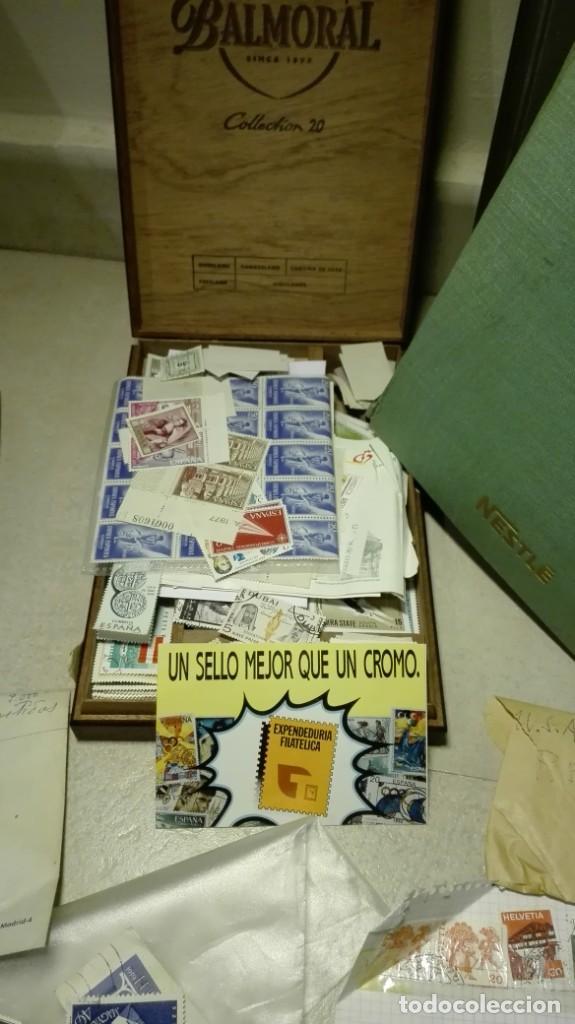 Sellos: Coleccion de miles de sellos del abuelo y mas - Foto 8 - 200878297