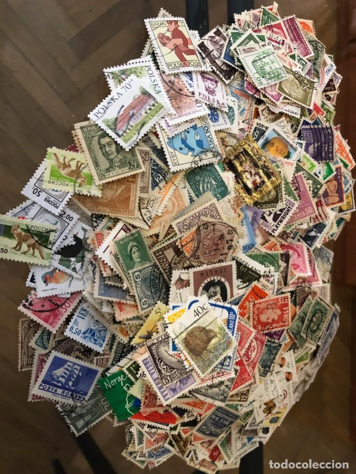 LOTE DE 2.000 SELLOS MUNDIALES DIFERENTES. (Sellos - Colecciones y Lotes de Conjunto)