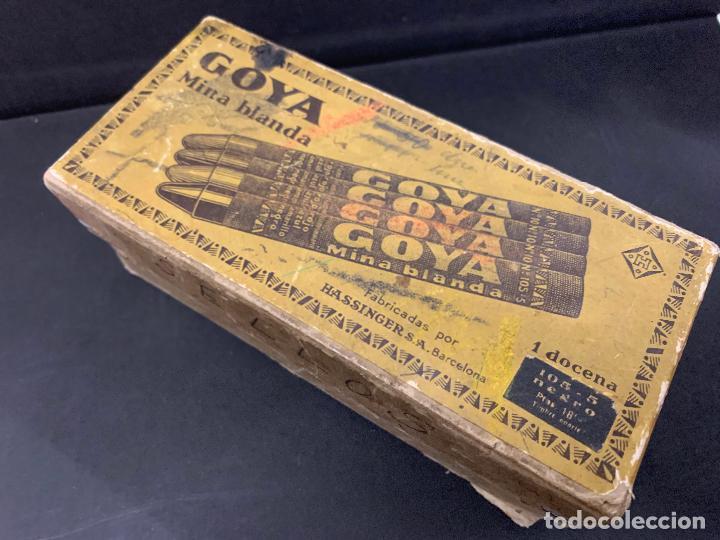 Sellos: Antigua caja Ceras GOYA, llena de timbres o sellos. Proviene de antigua fabrica.Ideal coleccionismo - Foto 3 - 215235186