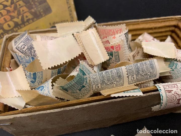 Sellos: Antigua caja Ceras GOYA, llena de timbres o sellos. Proviene de antigua fabrica.Ideal coleccionismo - Foto 4 - 215235186