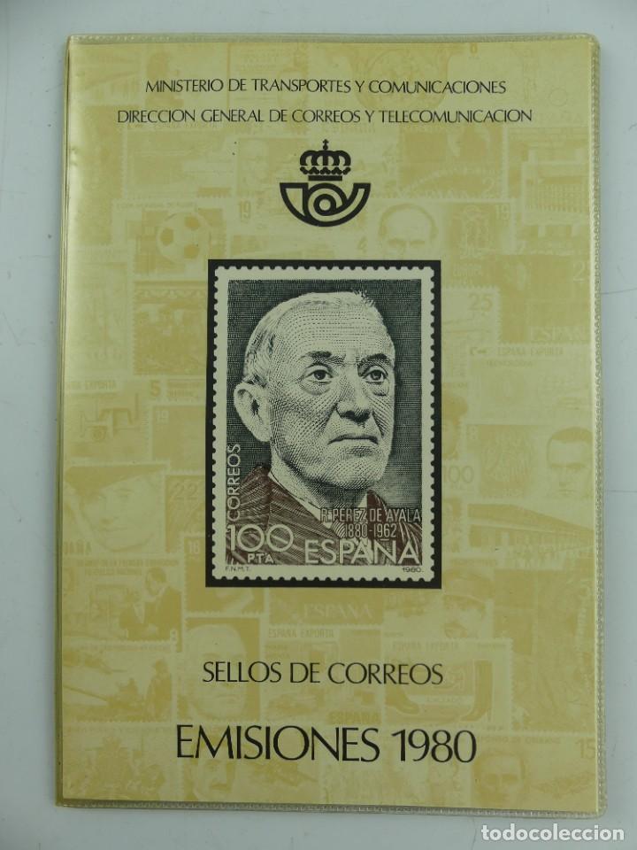 CUADERNO CON COLECCION DE SELLOS DE EMISIONES 1980 (Sellos - Colecciones y Lotes de Conjunto)