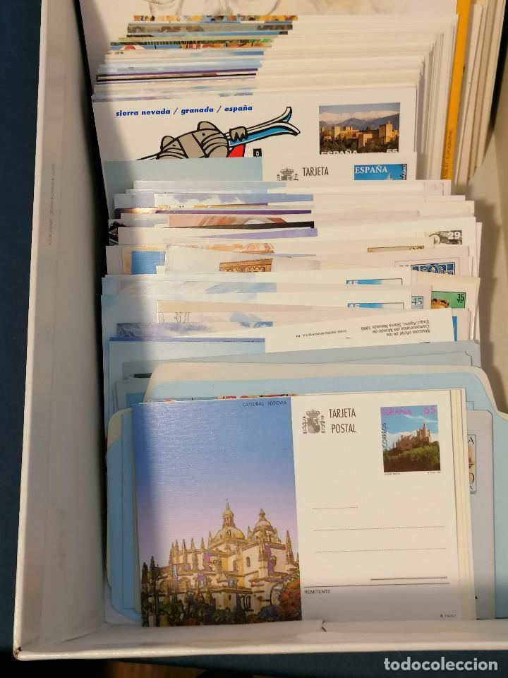 Sellos: España lote sellos caja con documentos filatelicos,spd,sobres exposiciones minimo 200 aprox - Foto 16 - 275496388