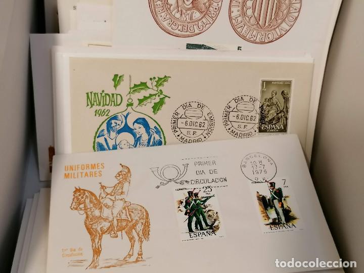 Sellos: España lote sellos caja con documentos filatelicos,spd,sobres exposiciones minimo 200 aprox - Foto 58 - 275496388