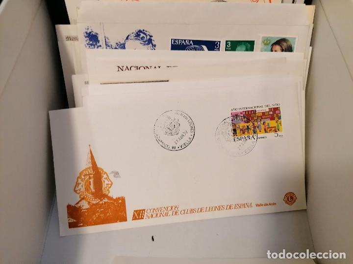 Sellos: España lote sellos caja con documentos filatelicos,spd,sobres exposiciones minimo 200 aprox - Foto 67 - 275496388