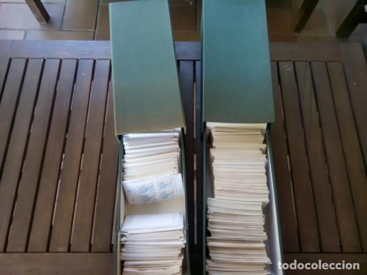 2 FICHEROS CON MAS DE 670 SOBRECITOS DE SELLOS NUEVOS SERIES COMPLETAS EN BLOQUE DE 4 (Sellos - Colecciones y Lotes de Conjunto)