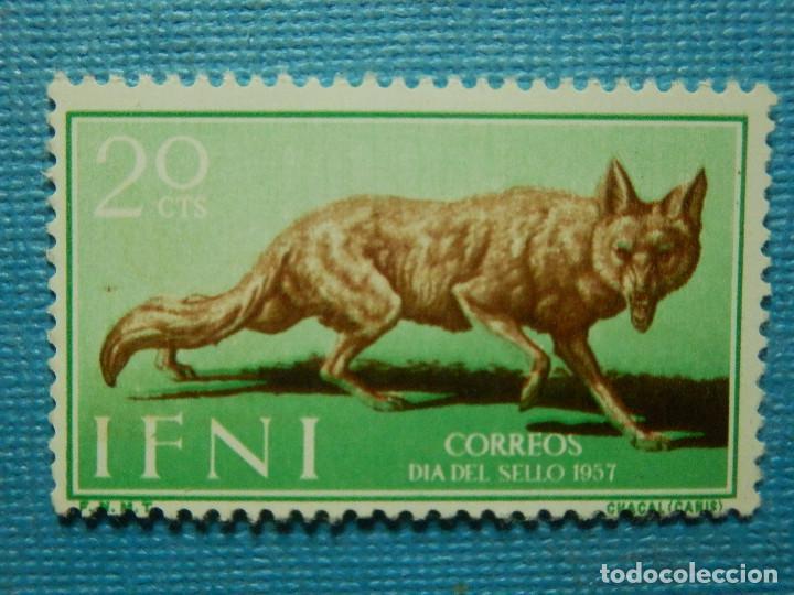 SELLO - ESPAÑA - IFNI - DIA DEL SELLO 1957 - 20 CTS - EDIFIL 140 - NUEVO SIN CHARNELA (Sellos - España - Colonias Españolas y Dependencias - África - Ifni)