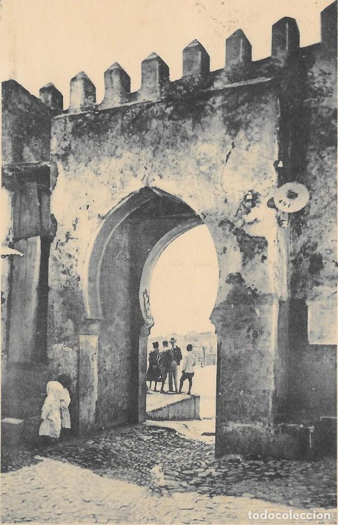 Sellos: CORREO AEREO. TARJETA POSTAL CIRCULADA DE TETUAN A CALELLA. 1947 - Foto 2 - 160506250