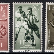 Sellos: IFNI 156/58* - AÑO 1958 - DIA DEL SELLO - DEPORTES - ATLETISMO - FUTBOL. Lote 210781674