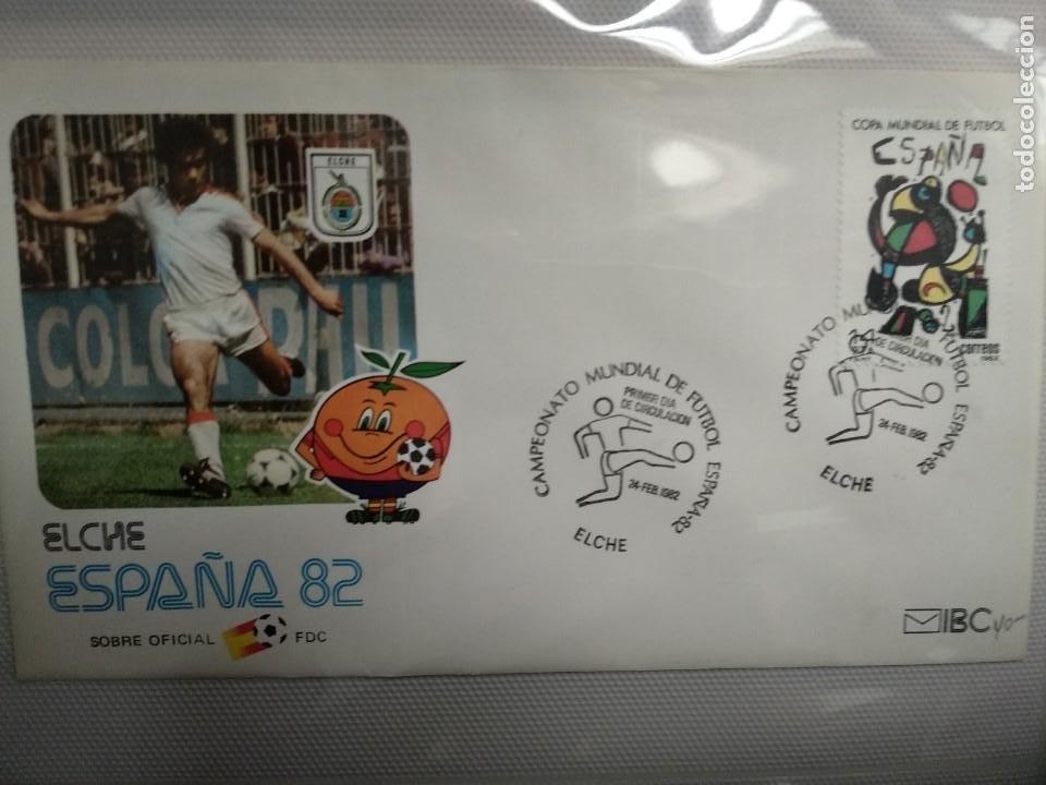 Sellos: 1982 COPA MUNDIAL ESPAÑA 82 (EDIFIL 2644/45) 2 SOBRES PRIMER DIA ELCHE NARANJITO FUTBOL - Foto 2 - 183460745