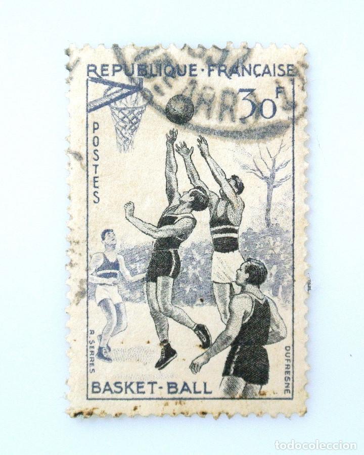 SELLO POSTAL FRANCIA 1956, 30 ₣ , BASQUETBOL, USADO (Sellos - Temáticas - Deportes)