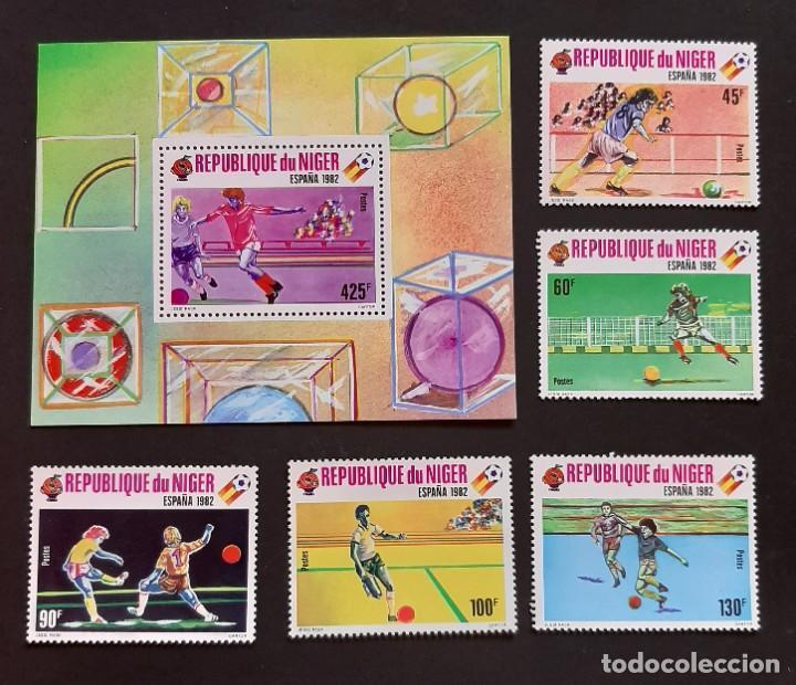 SELLOS NIGER - MUNDIAL FUTBOL ESPAÑA 82 - YVERT 520 / 524 + HB 32 - NUEVOS** (Sellos - Temáticas - Deportes)