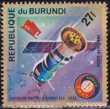 1975 - BURUNDI - COOPERACION ESPACIAL USA-URSS - APOLO SOYUZ - NAVE ESPACIAL SOYUZ - YVERT 363 PA (Sellos - Temáticas - Conquista del Espacio)