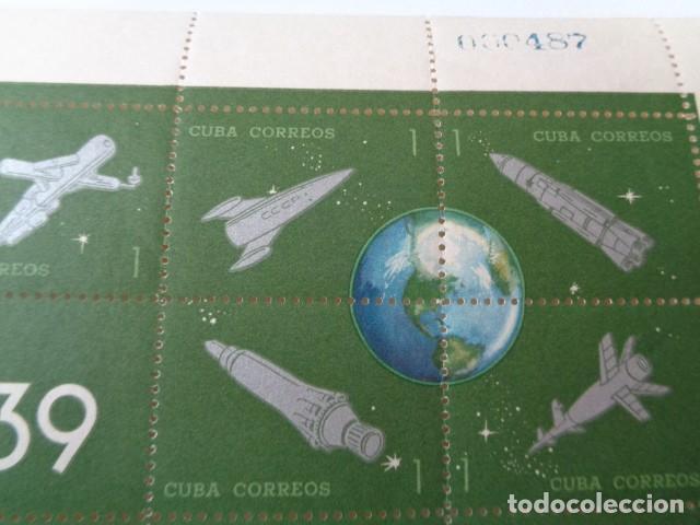 Sellos: CUBA. COHETE POSTAL CUBANO. 1939 1964. HOJA BLOQUE 25 SELLOS 1 CENTAVO. HOJA COMPLETA NUEVA, SIN USO - Foto 2 - 149404026