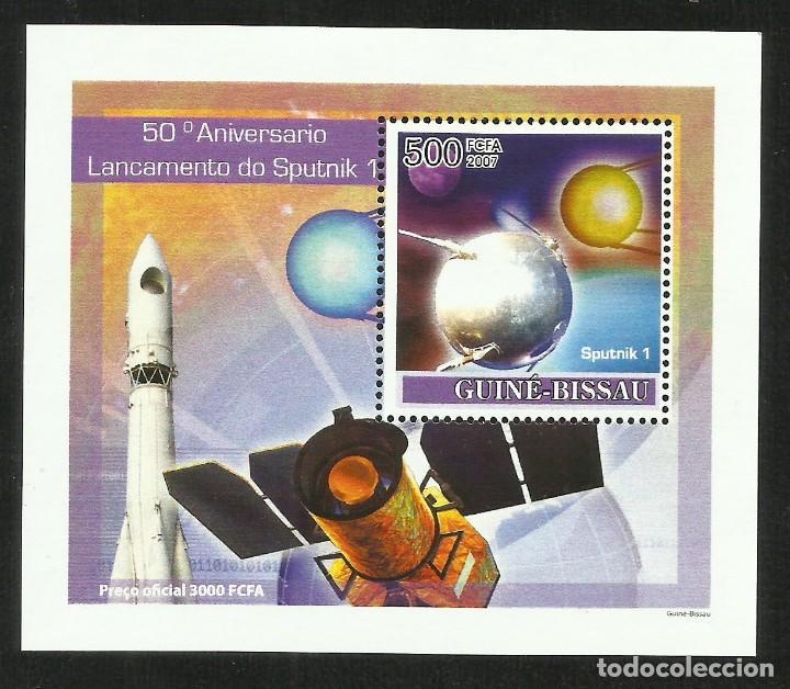 GUINEA 2007 HOJA BLOQUE SELLOS CONQUISTA DEL ESPACIO- 50 ANIVERSARIO LANZAMIENTO DEL SPUTNIK 1 (Sellos - Temáticas - Conquista del Espacio)