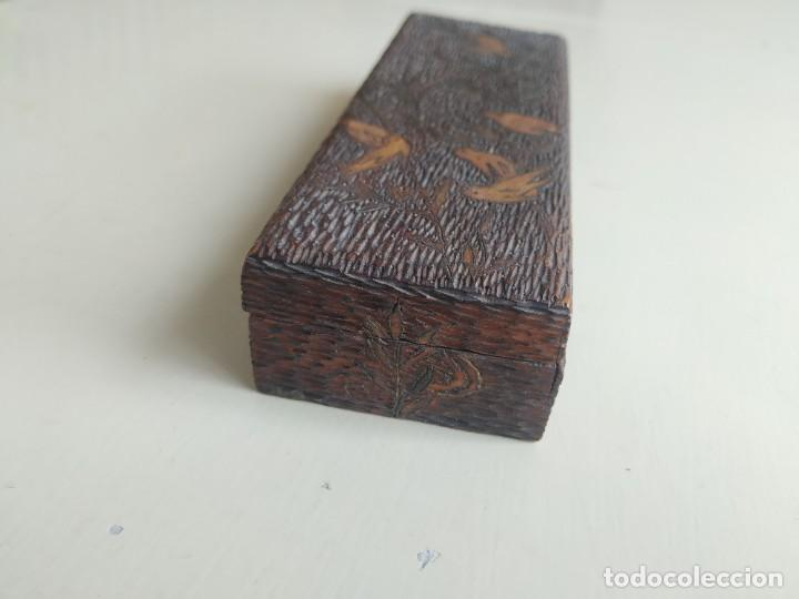 Sellos: Antigua caja cajita de madera para sellos, pirograbado con pájaros. - Foto 4 - 245199085