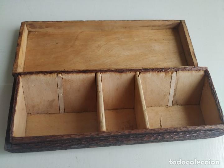 Sellos: Antigua caja cajita de madera para sellos, pirograbado con pájaros. - Foto 7 - 245199085
