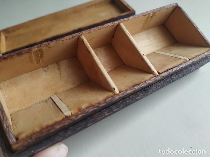 Sellos: Antigua caja cajita de madera para sellos, pirograbado con pájaros. - Foto 8 - 245199085