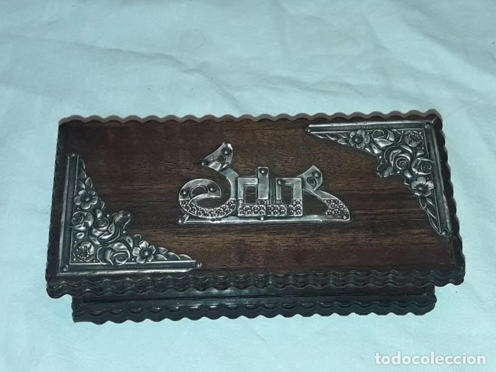 Sellos: Bella caja o estuche de madera maciza tallada para sellos con adornos de plata 925 punzonada - Foto 2 - 286382513