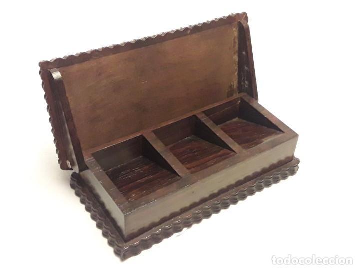 Sellos: Bella caja o estuche de madera maciza tallada para sellos con adornos de plata 925 punzonada - Foto 3 - 286382513