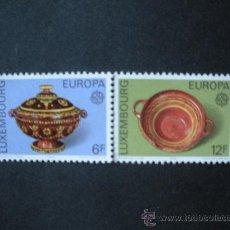 Sellos: LUXEMBURGO 1976 IVERT 878/9 *** EUROPA - OBRAS ARTESANALES - CERAMICA . Lote 35456696