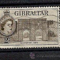 Sellos: GIBRALTAR 1953, YVERT Nº 133, ELIZABETH II Y PAISAJE. MATASELLADO. Lote 35328991