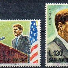 Sellos: SAN MARINO AÑO 1964 YV 640/41*** ANVº DE LA MUERTE DE JOHN F. KENNEDY - PERSONAJES - BANDERAS. Lote 43586070