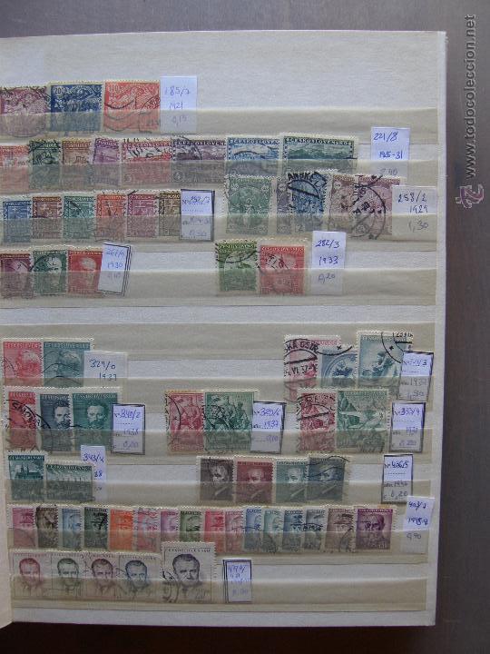 Sellos: Checoslovaquia. Lote de series completas y hojas bloque en archivador. - Foto 2 - 131596993