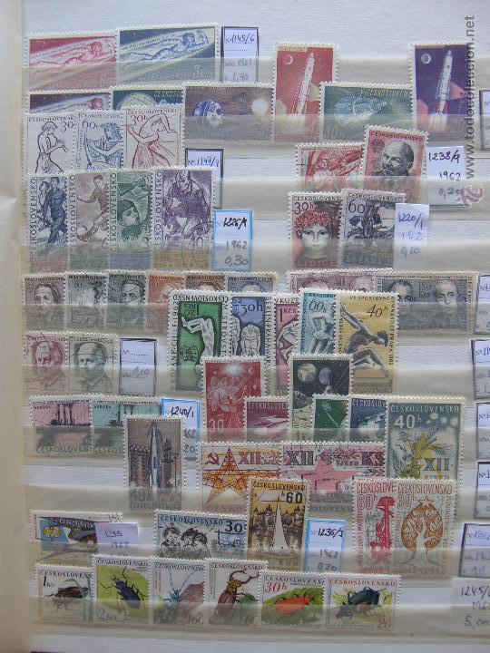 Sellos: Checoslovaquia. Lote de series completas y hojas bloque en archivador. - Foto 5 - 131596993