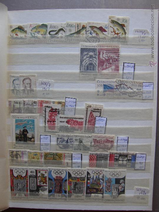 Sellos: Checoslovaquia. Lote de series completas y hojas bloque en archivador. - Foto 7 - 131596993