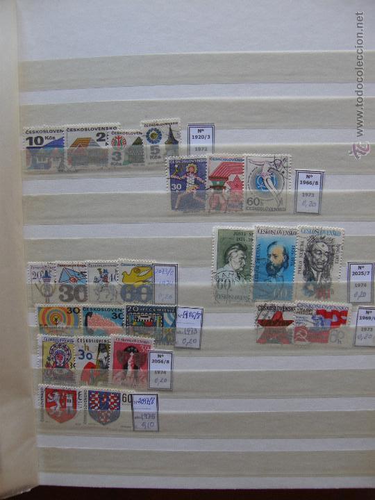 Sellos: Checoslovaquia. Lote de series completas y hojas bloque en archivador. - Foto 11 - 131596993
