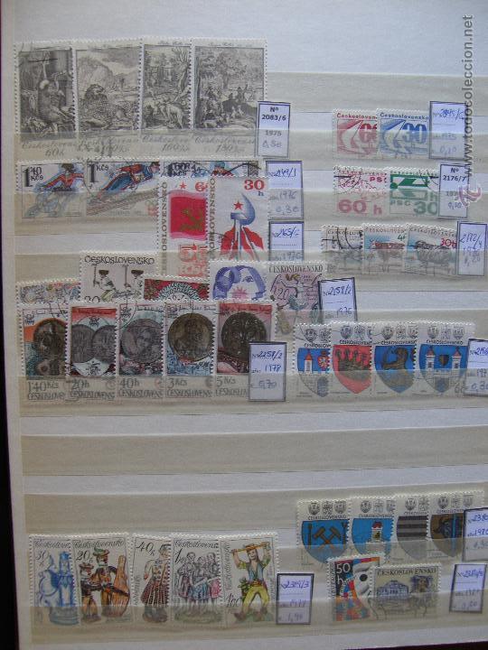 Sellos: Checoslovaquia. Lote de series completas y hojas bloque en archivador. - Foto 12 - 131596993