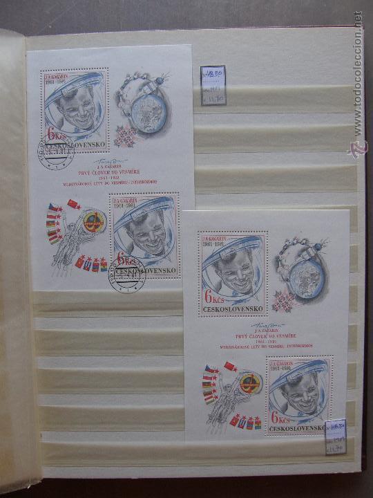 Sellos: Checoslovaquia. Lote de series completas y hojas bloque en archivador. - Foto 26 - 131596993