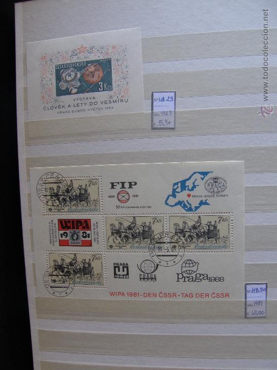 Sellos: Checoslovaquia. Lote de series completas y hojas bloque en archivador. - Foto 27 - 131596993