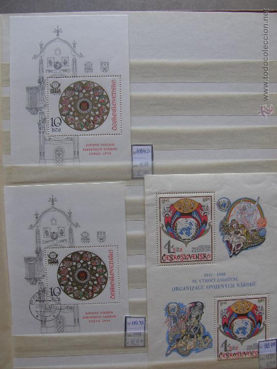 Sellos: Checoslovaquia. Lote de series completas y hojas bloque en archivador. - Foto 28 - 131596993