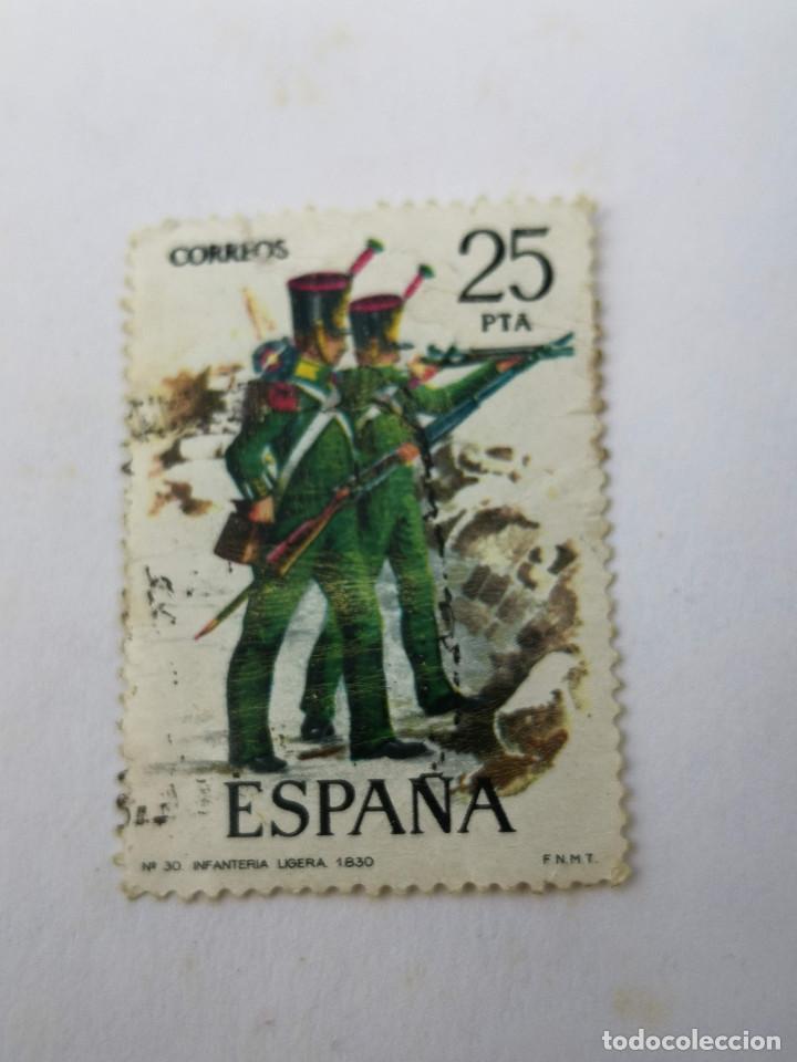 SELLO 25 PTS N33 INFANTERIA LIGERA 1976 (Sellos - Extranjero - Europa - Otros paises)