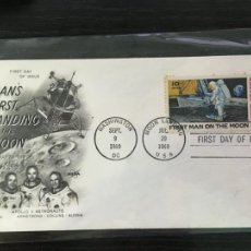 Sellos: SOBRE PRIMER DÍA ESTADOS UNIDOS - MAN'S FIRST LANDING ON THE MOON 1969 - HOMBRE EN LA LUNA. Lote 204434526
