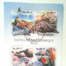 Sellos: MOZAMBIQUE LEONES MARINOS HOJA BLOQUE DE SELLOS USADOS. Lote 173018543