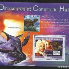 Sellos: GUINEA 2007 HOJA BLOQUE SELLOS FAUNA PREHISTORICA- DINOSAURIOS Y EL COMETA HALLEY- DINOSAURIO-. Lote 276081123