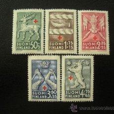 Sellos: FINLANDIA 1942 IVERT 246/50 *** PRO CRUZ ROJA - ESCUDOS. Lote 22724855