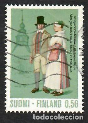 LIQUIDACIÓN. FINLANDIA 1972, YVERT 675. TRAJES NACIONALES, S. XVIII. HISTORIA DEL VESTIDO. FOLKLORE. (Sellos - Extranjero - Europa - Finlandia)