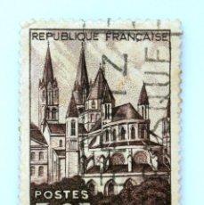 Sellos: SELLO POSTAL FRANCIA 1951, 50 F ,CAEN, L ABSIDE DE S' ETIENNE , ABADIA DE HOMBRES, USADO. Lote 231245150