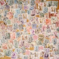 Sellos: 200 SELLOS DE ALFONSOXIII, FRANCO Y REPUBLICA MUCHO REPETIDO. Lote 82186768
