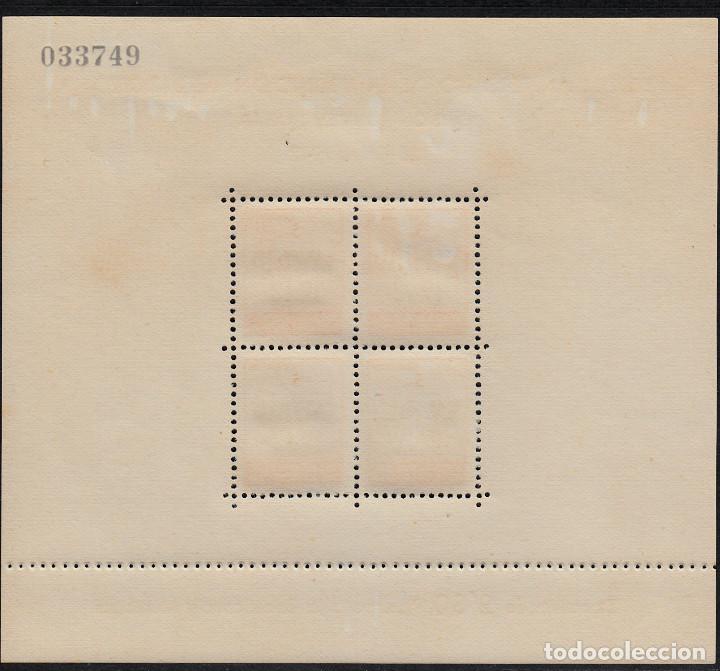 Sellos: 3 HB NUEVAS DE BARCELONA 1942 NUMS. 40-41 TERCER ANIVERSARIO LIBERACIÓN DE BARCELONA - Foto 2 - 107121935
