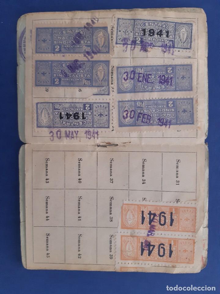 Sellos: Carnet CNS Central Nacional Sindicalista. 1940. Con tres tipos de sellos diferentes. - Foto 3 - 233007335
